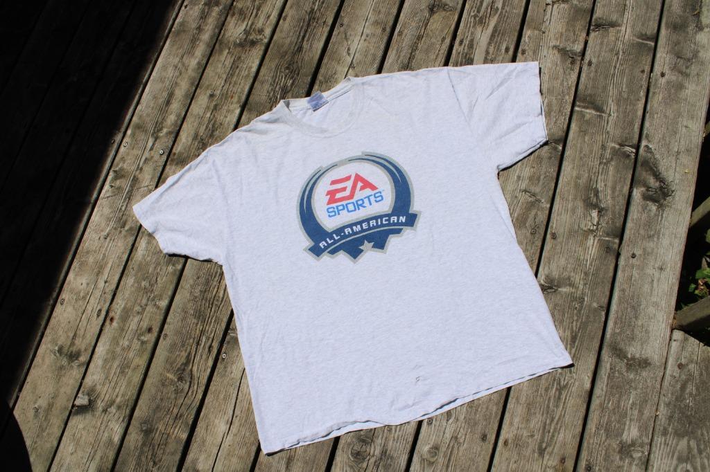 Vintage EA Sports T Shirt / Play Station Blitz Zelda Video game Shirt