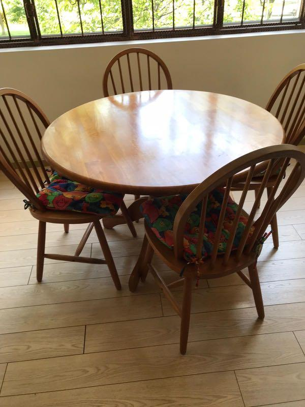Round Dining Table Set 4 Chairs, Windsor Round Table