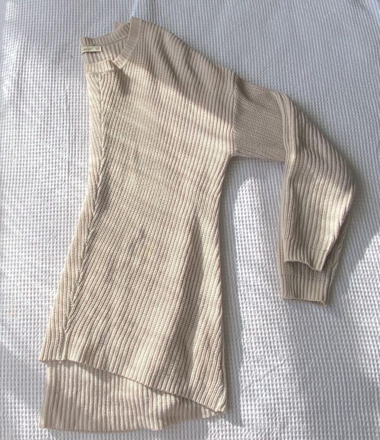 Sweaters/cardigan
