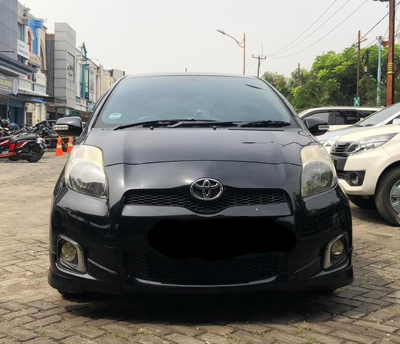 Toyota Yaris E 1.5 at 2012 Hitam