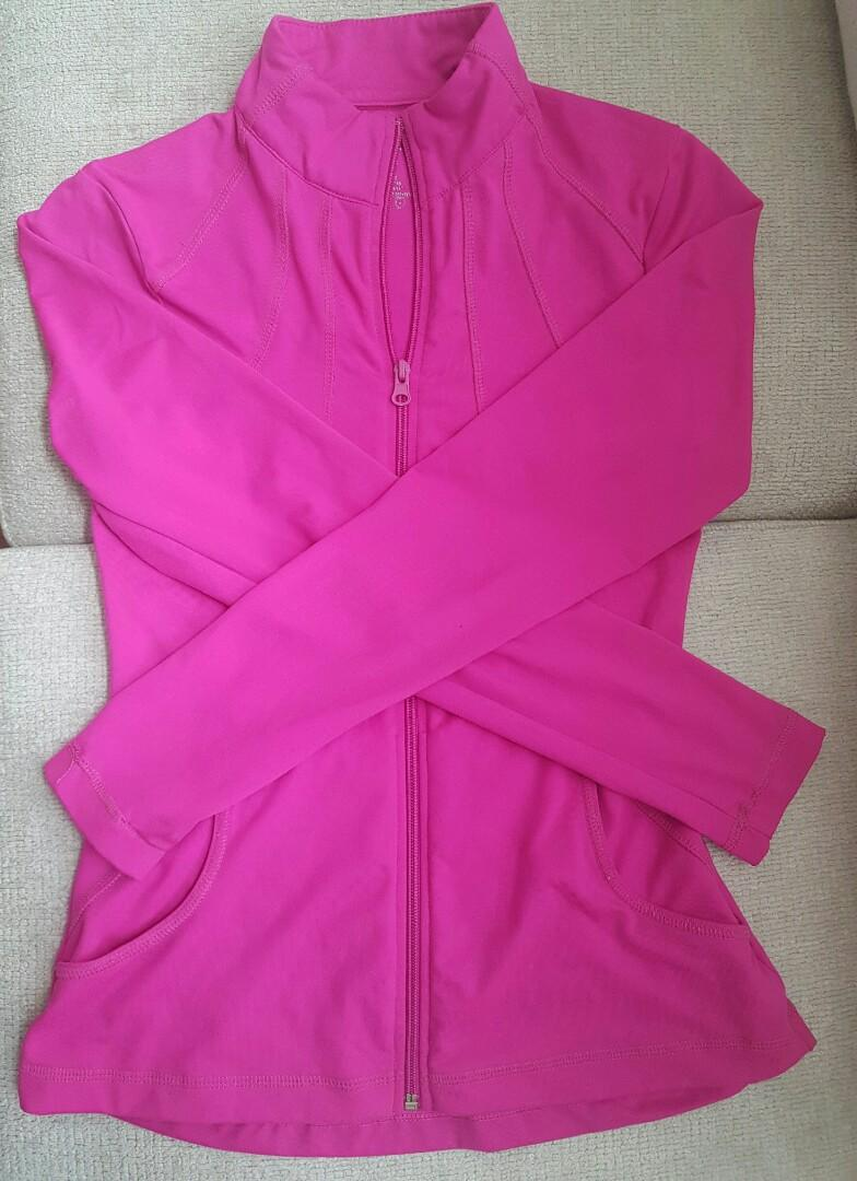 Hot pink sports top - Size Small/6
