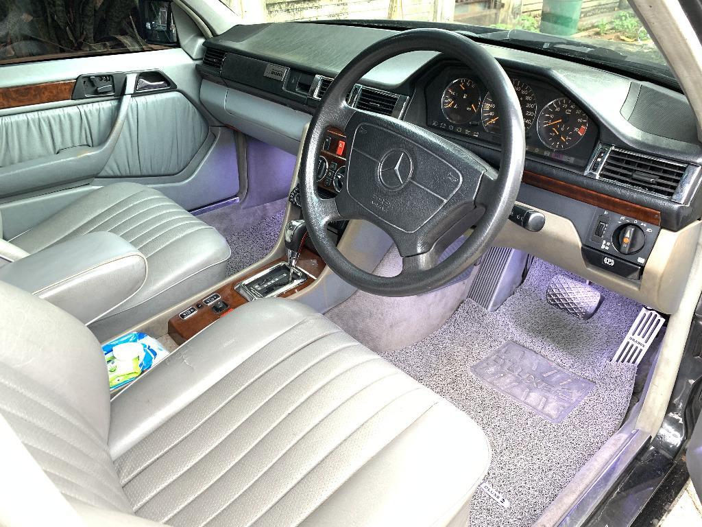 MERCEDES BENZ W124 300E