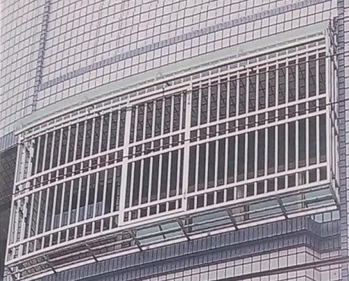 [台灣鐵工廠]不銹鋼鐵窗/安全門窗/穿梭防盜窗/陽台鐵窗/逃生門窗/防護窗/陽台雨遮/採光罩/遮雨棚/凸窗/儲藏室收納