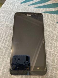 ASUS ZenFone 2 (ZE550ML)白、二手空機