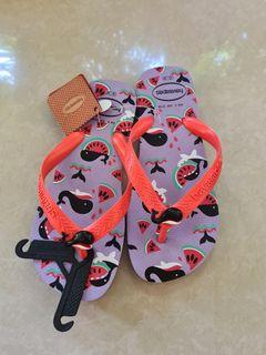 Brand new Havaianas for girls
