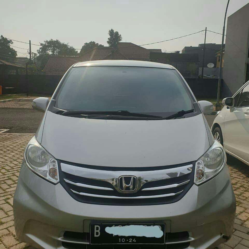Honda Freed SD Th. 2014 AT Silver Tgn Ke 1 Low Km
