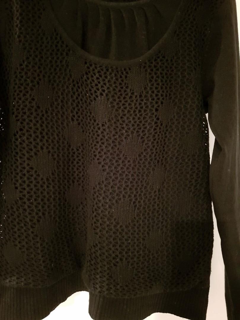 Sz10 Cute black knit sweater $10 incl postage