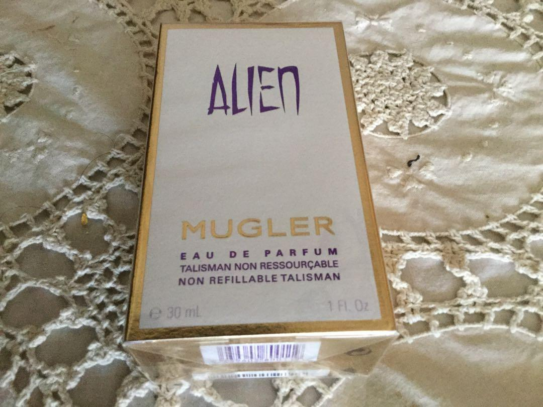 ALIEN PERFUME 30ML SEALED