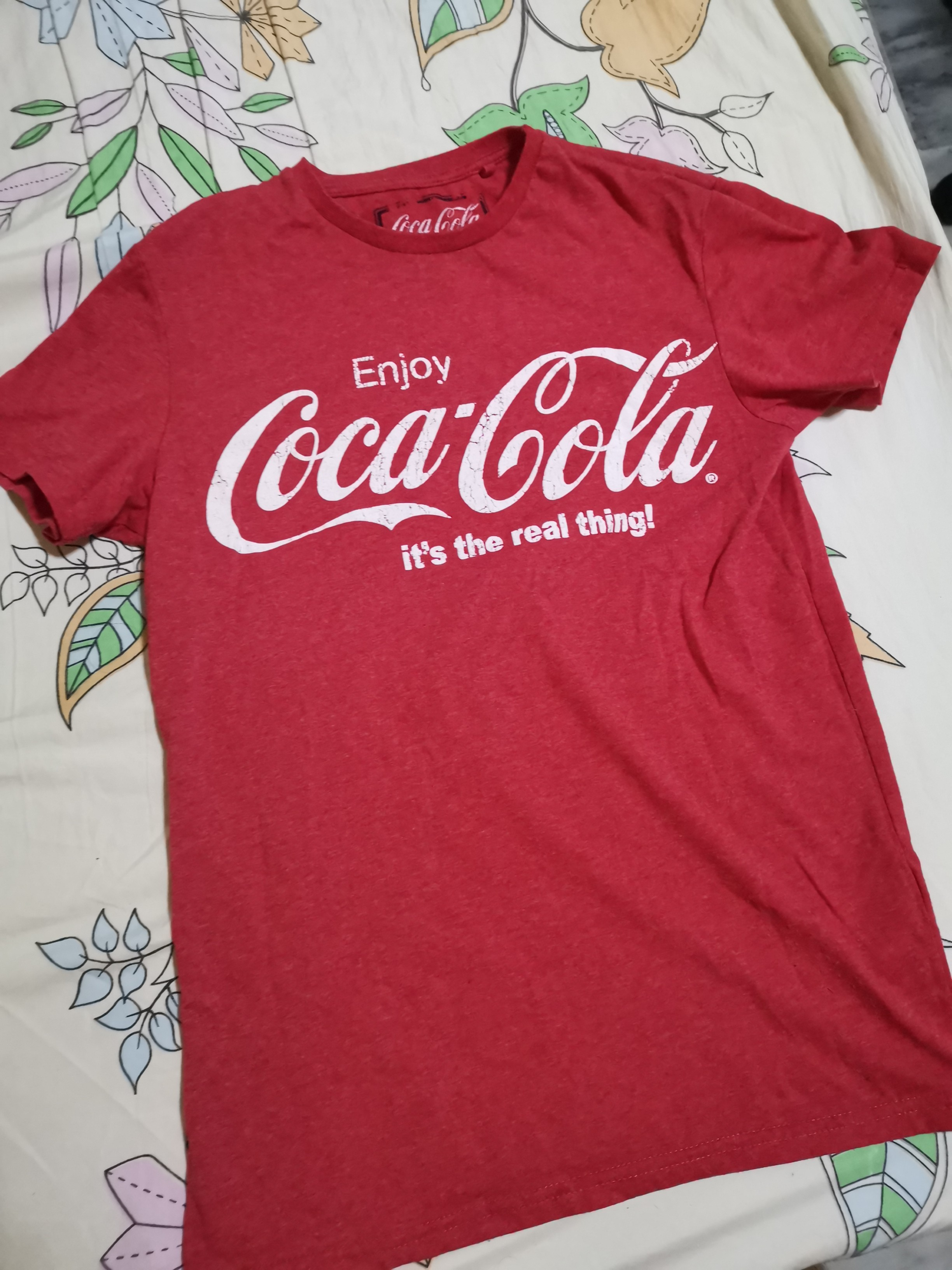 Coca Cola T Shirt Roblox Coca Cola T Shirt Women S Fashion Clothes Tops On Carousell