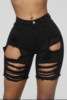 Ripped midi shorts