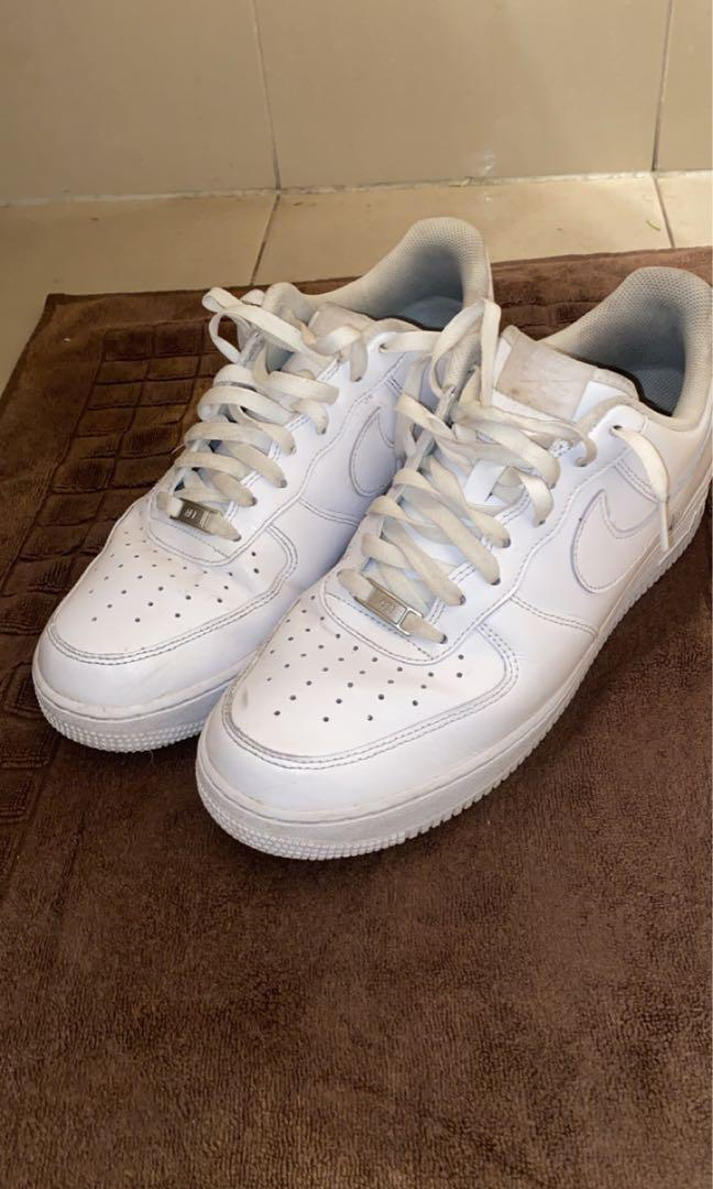 White airforce 1s