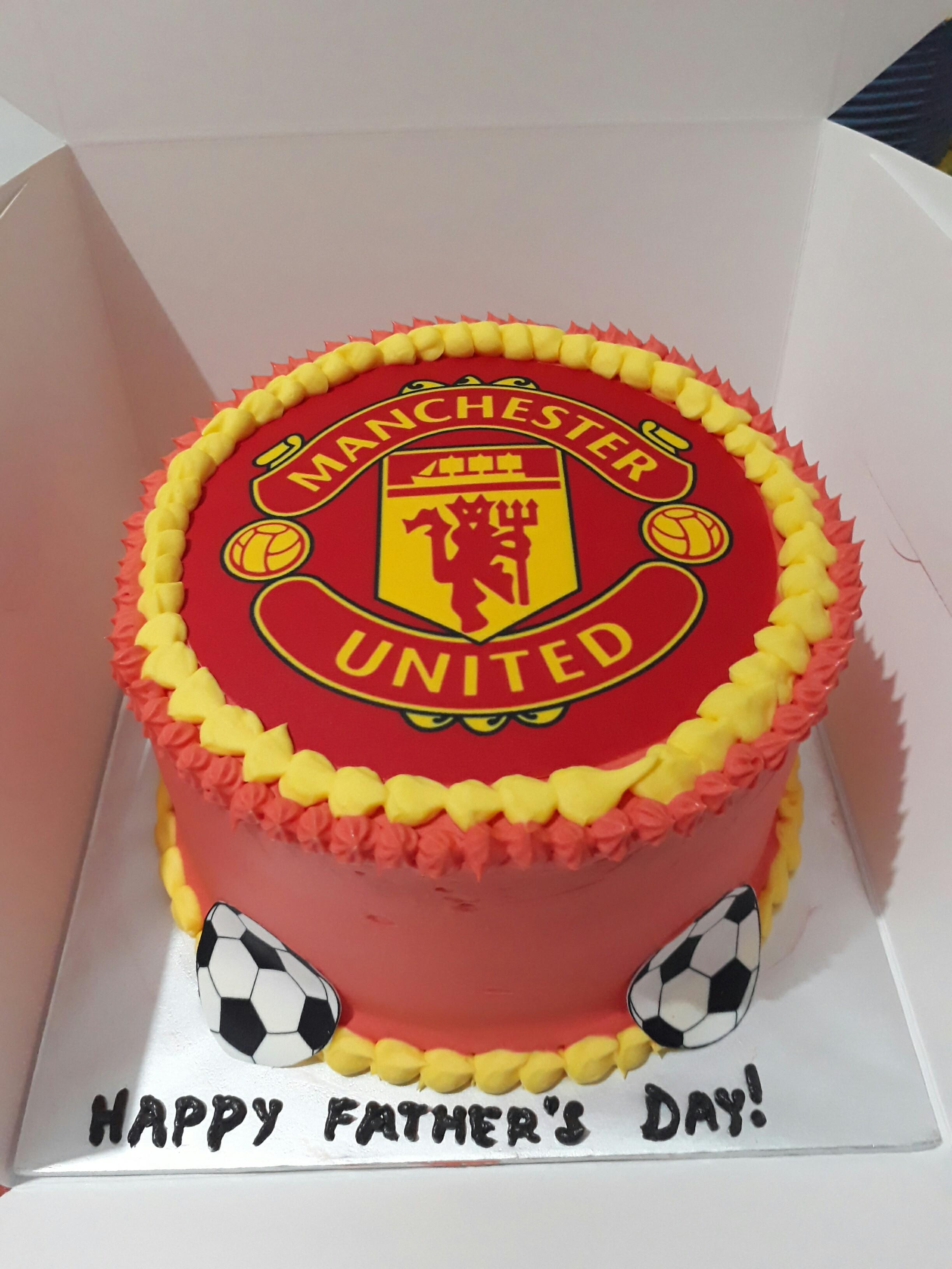Manchester United Customised Image Cake Food Drinks Baked Goods On Carousell