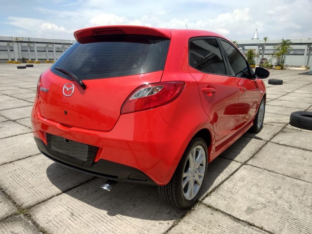 MAZDA2 R 1.5 AT 2011 merah Angs 1.9 jt