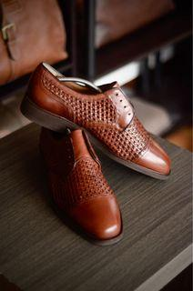 Woven Cap Toe Derby Leather Shoes