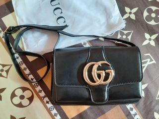 Gucci arli soulder bag
