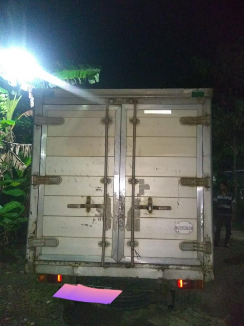 Mobil Box Engkel