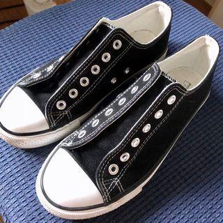 近新黑白休閒球鞋
