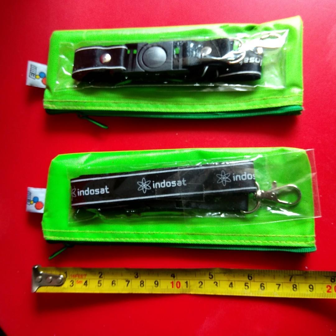 2 pcs Pencil case dan kalung name tag Indosat