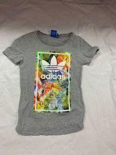 Adidas xs T-shirt