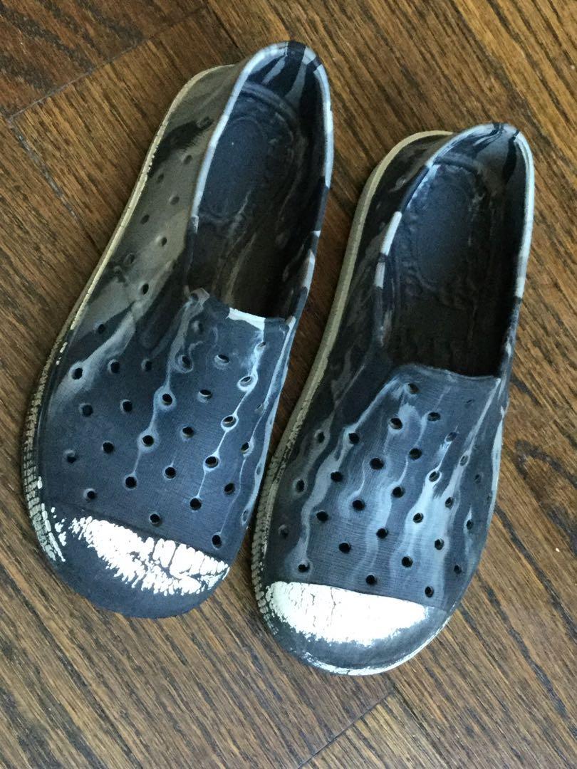 Boys shoes size 10-$3