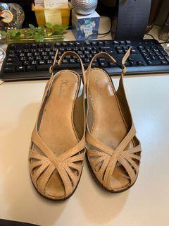 #降價囉 Kadia真皮氣墊美鞋 size:24