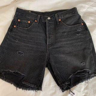 levis 501 mid-thigh shorts