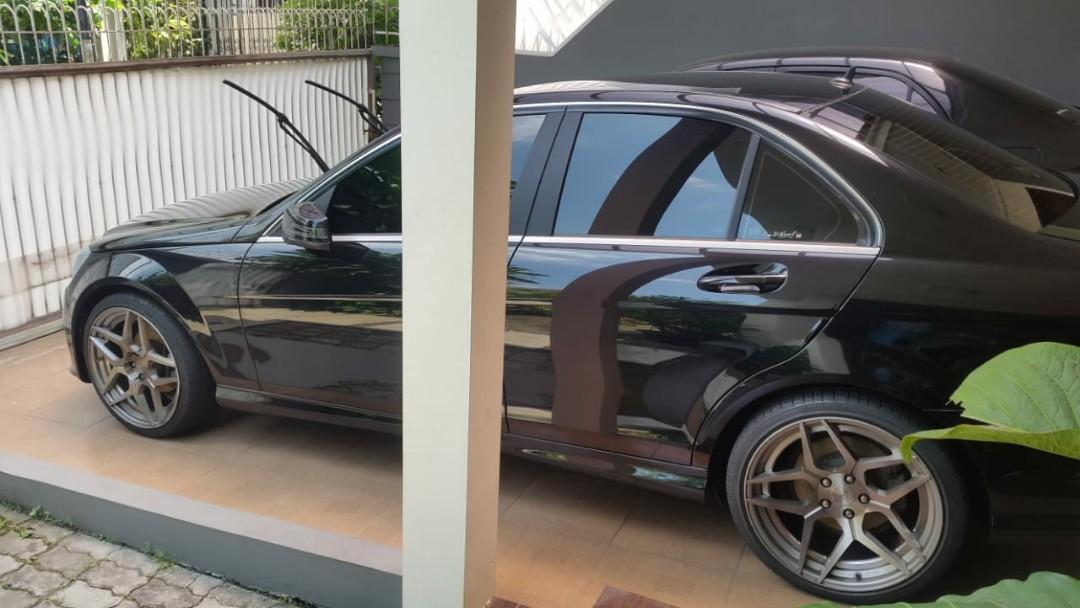 Mercedes Benz C class thn 2009 jual cepat BU