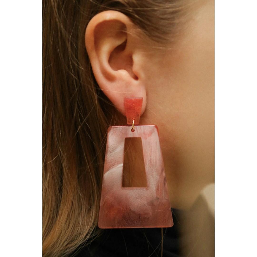 NWT! Pink Marbled Pendant Earrings