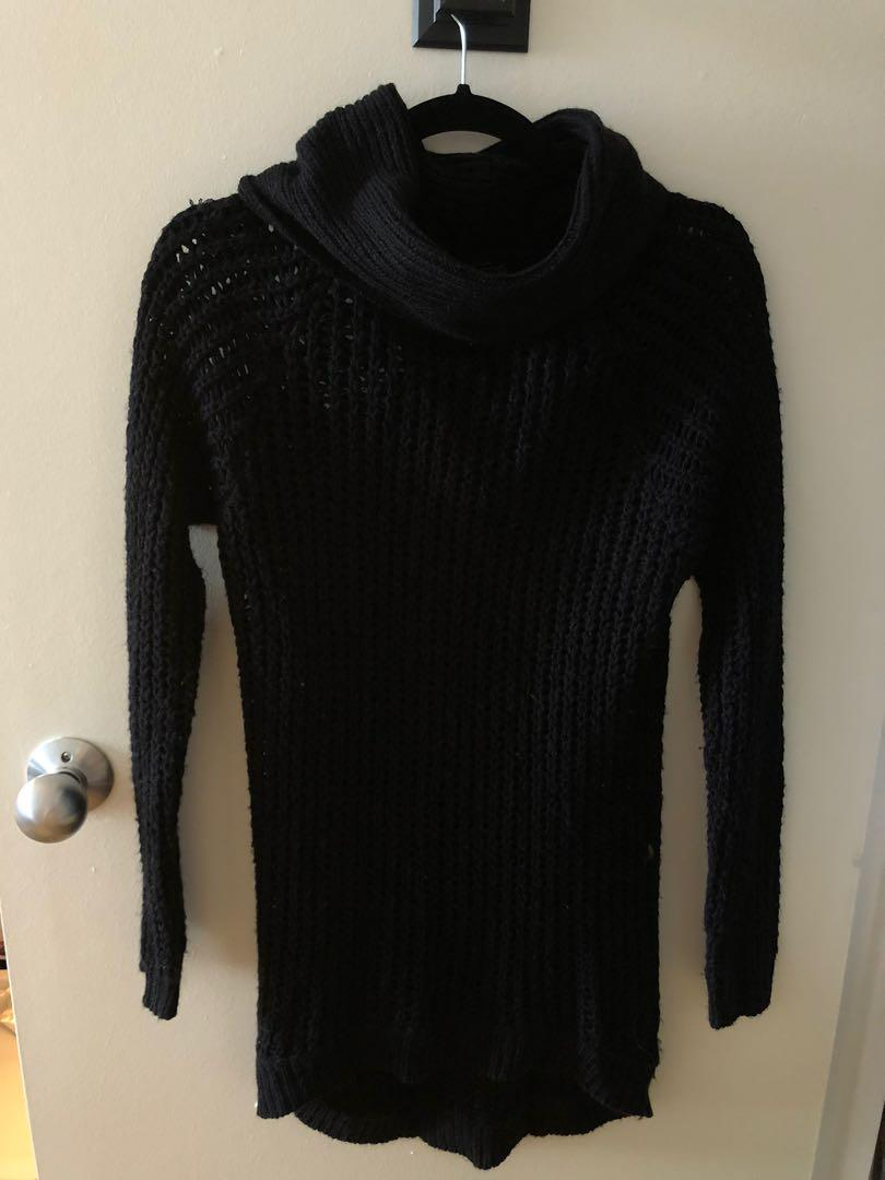 Black knitted turtle neck sweater