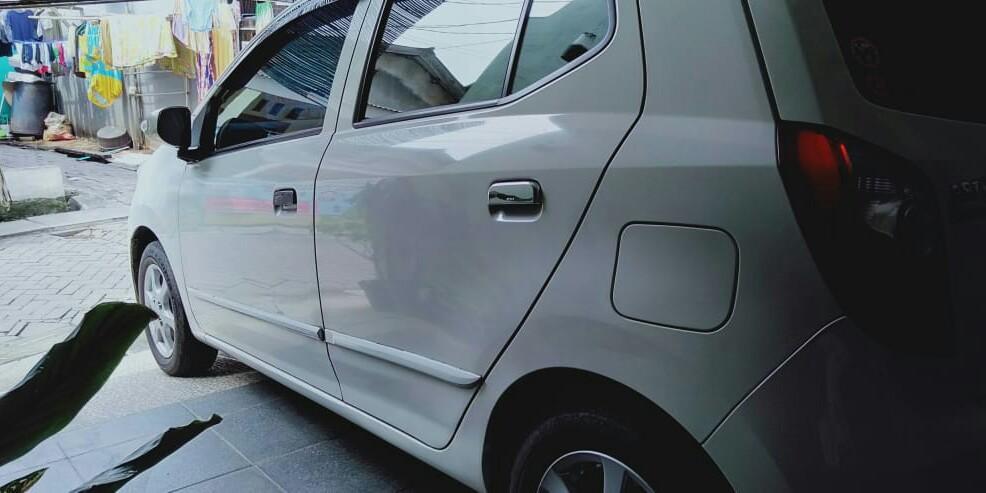 Daihatsu Ayla type D+ M/T 2017 over kredit