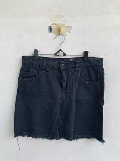 H&M Plus size Denim Skirt