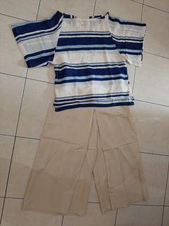 Set top n bottom stripe blue beige