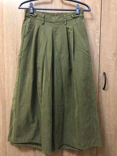 類麂皮 墨綠色 鬆緊寬褲