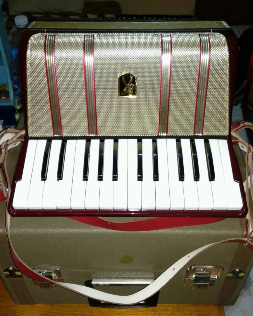 Akordion Hohner starlet 40 (Made in Jerman)