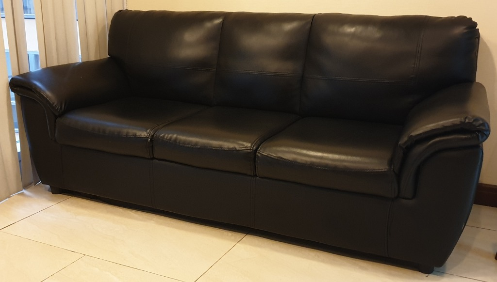 Picture of: Black Leather Sofa Home Furniture Furniture Fixtures Sofas On Carousell
