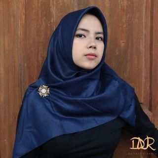 Hijab Jilbab Segi Empat Shinar Glamour Lasercut Variasi Warna Tua