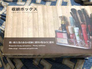 彩妝小物收納盒(9格)