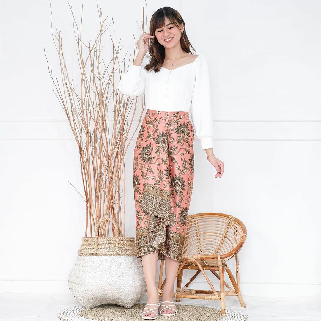 Beautiful Batik Set Skirt&top. Unique. Elegant. Modern