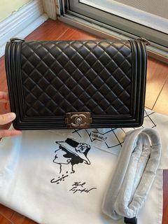 Chanel boy purse