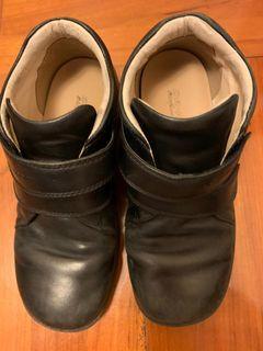 Dr. Kong  黑鞋