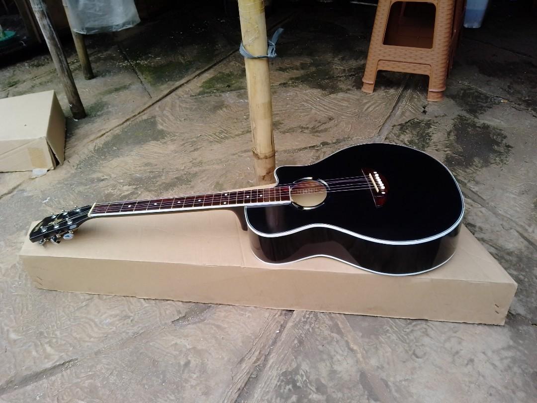 Gitar Akustik black
