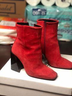 L'INTERVALLE Red Boots