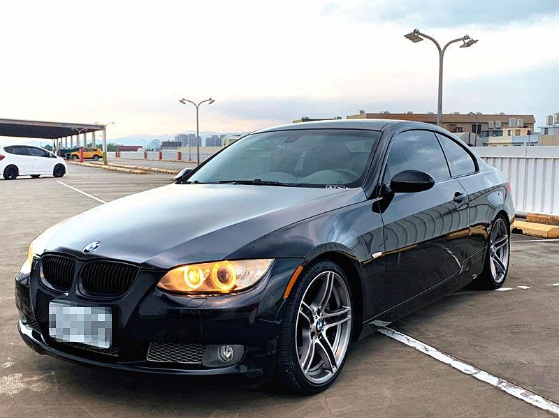 2009 BMW 335i 3.0 黑