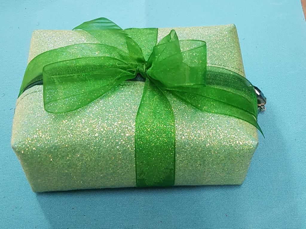 Candles in Zippered - Glittery - Boxed Bag