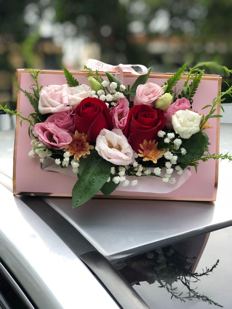 Flower Bouquet In Wallet Design Box For All Occasions Gardening Flowers Bouquets On Carousell