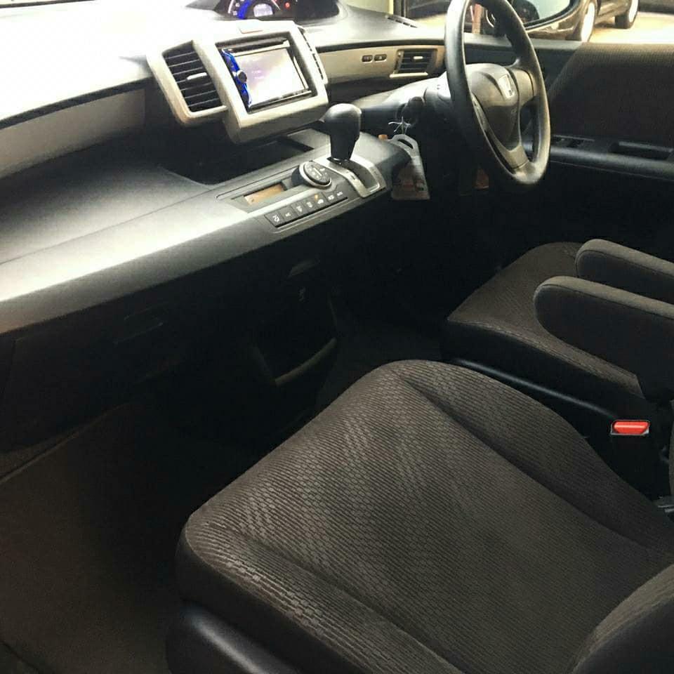 Honda Freed E PSD a/t 2015. Harga Murah-Mobil Terjamin.!