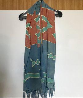 Syal Scarf kain Oranye Biru Motif Tradisional Kerajinan Tangan Daerah