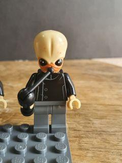 Lego star wars musician bith A Minifigure w/instrument