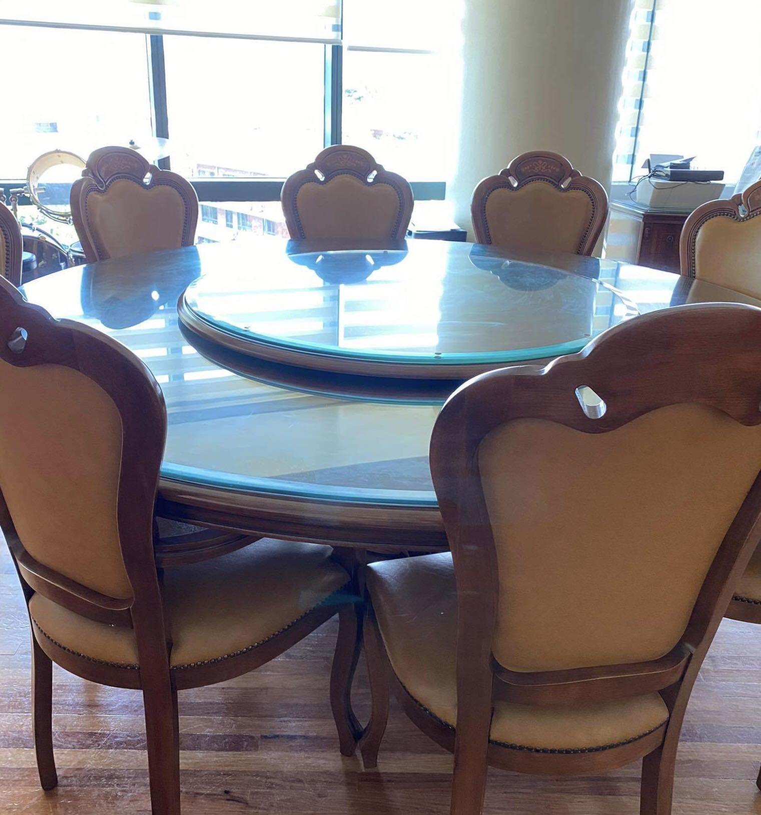 Muebles Italiano 8 Seater Round Dining Table Home Furniture Furniture Fixtures Tables Chairs On Carousell