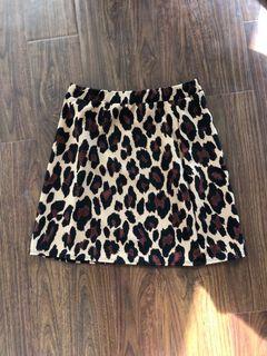 Size S cheetah print skirt
